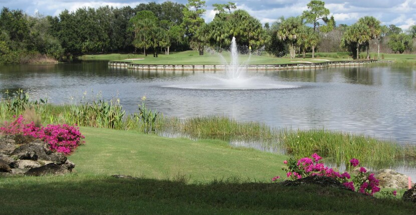 MustDo.com | Herons Glen Golf & Country Club is a semi-private 18-hole Ron Garl designed championship golf course in Fort Myers, Florida. The par-72 course features 5 sets of tees with 6,468 yards of golf from the back tees.