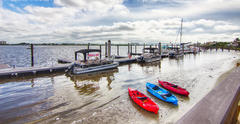 MustDo.com | Kayak, Boat, and paddleboard rentals and family fun beach activities offered by Holiday Watersports Ft. Myers Beach, Florida. Must Do Visitor Guides Florida vacation information.