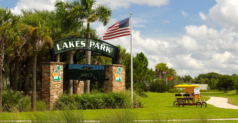 Lakes Regional Park in Fort Myers, Florida features a miniature train ride, playground, nature trails, and other family activities. Must Do Visitor Guides, MustDo.com