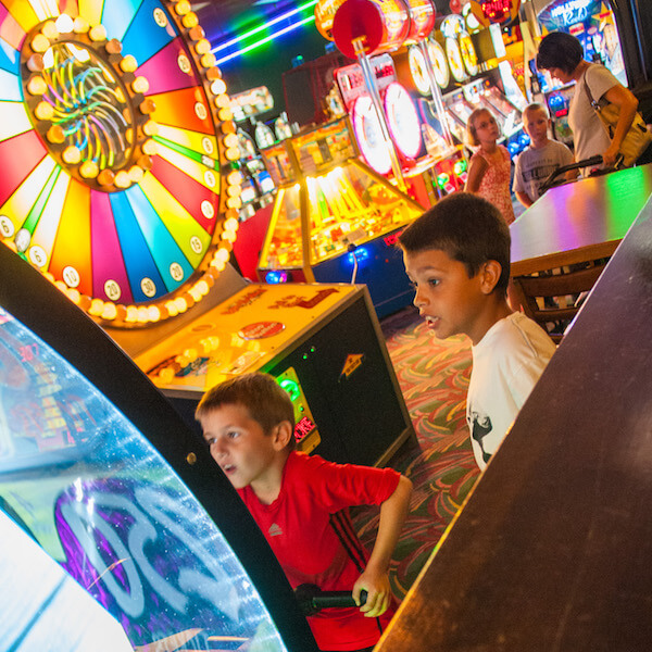 Livingston's Amusement Center in Sarasota features 50,000 square feet of state-of-the-art entertainment for kids and adults. Family fun activities include billiards, go-kart race track, a 24' rock climbing wall, an arcade with one of Florida's largest prize center, and a Bazooka Ball paintless paintball arena. Must Do Visitor Guides, MustDo.com