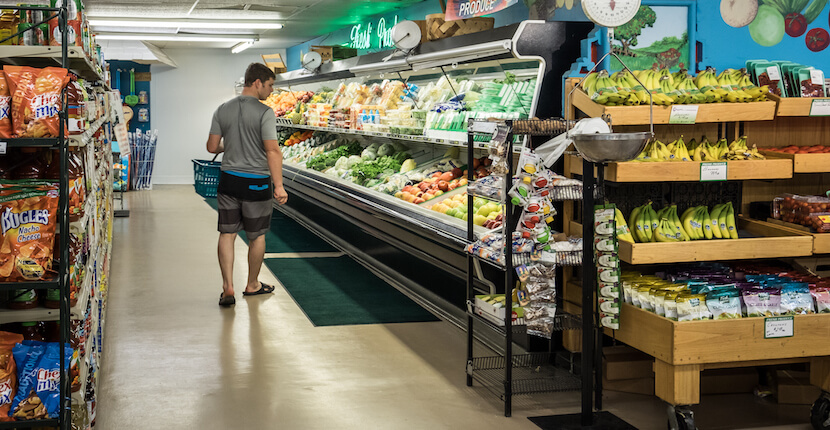 Morton's Siesta Market is Siesta Key's choice for staple groceries, fresh fruits and vegetables, prime meats, seafood, and a large selection of wine and beer. Prepared foods are available for easy take-out and picnics for the beach or boating. Photo by Mary Carol Fitzgerald. Must Do Visitor Guides, MustDo.com