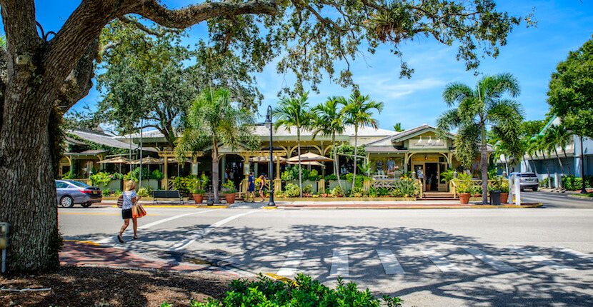 MustDo.com | Naples, Florida Third Street South is known as the birthplace of Old Naples, this beautiful shopping and dining area has retained many original structures. A mecca of art galleries! Photo by Jennifer Brinkman.