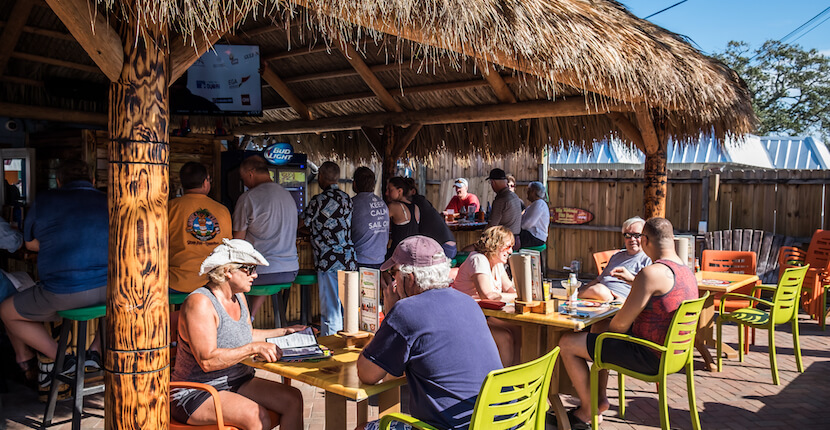 Sniki Tiki Bar At Captain Curt S South Siesta Key And Restaurant Features Nightly Entertainment Dozens