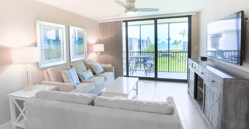 The accommodations at Sundial Beach Resort & Spa on Sanibel Island, Florida are low-rise condominiums with over a dozen different room options ranging from fully-equipped studios to three bedrooms and a variety of views including garden and beachfront. | MustDo.om