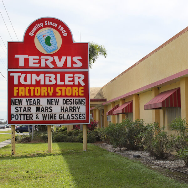 Tervis Factory Outlet Osprey, Florida insulated drinkware Photo by Nita Ettinger Must Do Visitor Guides, MustDo.com