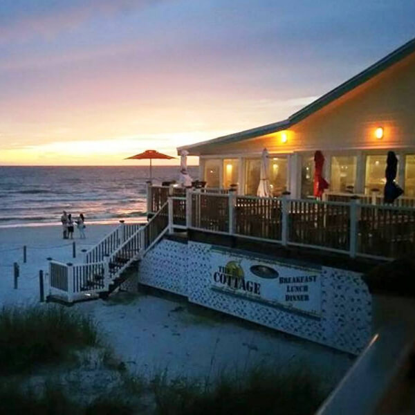 the-cottage-bar-ft-myers-beach-nightlife