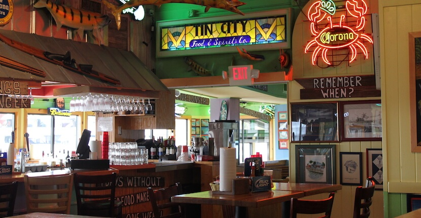 MustDo.com | Pinchers feature a family-friendly, casual dining atmosphere Tin City, Naples, Florida.