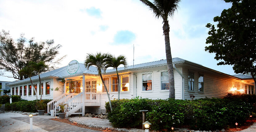MustDo.com | Traditions on the Beach on Sanibel Island offers a full bar and spacious lounge area featuring live music and dancing nightly. Must Do Visitor Guides Florida vacation information.