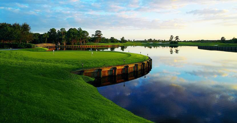 This 27-hole championship semi-private golf course is consistently rated the #1 golf course in Southwest Florida and one of the best in Florida. Golf Digest rates the Ron Garl-designed University Park Country Club golf course as a four-star facility. Must Do Visitor Guides, MustDo.com