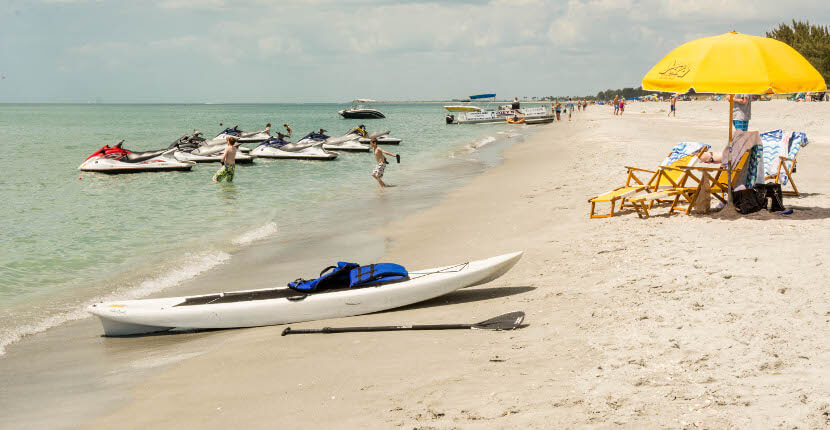 MustDo.com| YOLO Watersports offers jet ski and stand-up paddle board, and beach gear rentals Captiva Island, Florida, USA. Photo/Debi Pittman Wilkey