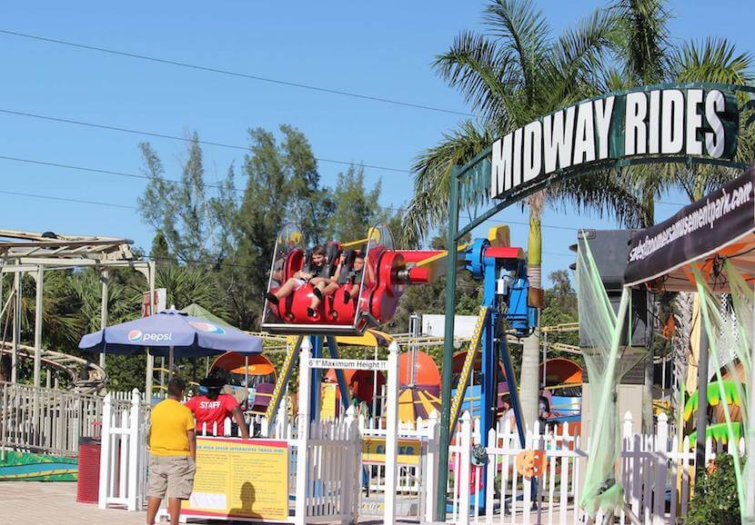 Family fun midway rides at Zoomer's Amusement Park in Ft. Myers, Florida. Must Do Visitor Guides, MustDo.com.