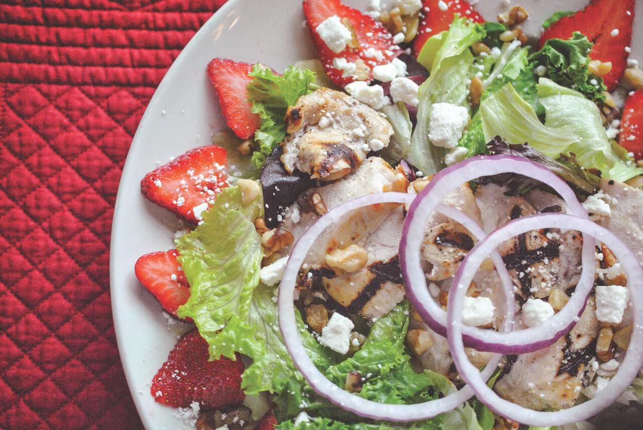 Grilled Chicken and Strawberry Salad Sarasota, Florida Top Restaurants. Photo by Larry Hoffman of dineSarasota. Must Do Visitor Guides, MustDo.com