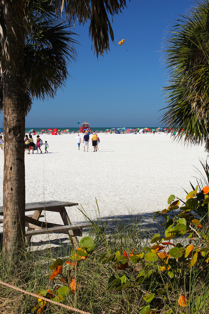 Siesta Beach, Siesta Key Sarasota, Florida USA. Must Do Visitor Guides, MustDo.com. Photo by Nita Ettinger