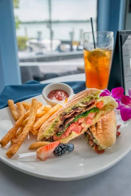 BLT sandwich and fries with ice tea. Delicious Sarasota dining options. Photo credit Jennifer Brinkman. | Must Do Visitor Guides, MustDo.com