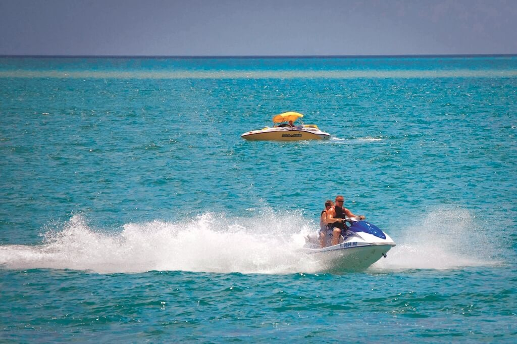 Jet ski rentals and tours, water sport activities on the Gulf of Mexico in Southwest Florida. Fort Myers Beach, Naples, Sanibel, Sarasota, Siesta Key. Photo by Debi Pittman Wilkey. | Must Do Visitor Guides, MustDo.com