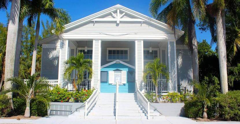 Strauss Theater performing art center and BIG Arts film, concerts, art, music on Sanibel Island, Florida. | Must Do Visitor Guides