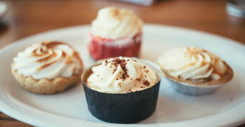 Baker & Wife restaurant is a casual chef-driven European-style cafe is close to downtown Sarasota and Siesta Key. Menu features fresh, and inventive globally inspired soups, salads, burgers, artisanal brick oven pizza, seafood, and meats. | MustDo.com