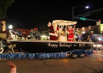 Holiday Events in Sarasota, Florida You Won't Want To Miss. #parade #holidays #christmas #florida #sarasota
