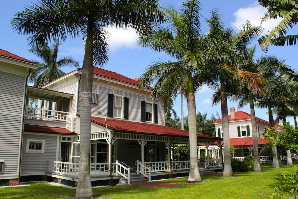 "Thomas and Mina Edison were Fort Myers, Florida winter residents and donated the first Royal Palms to line McGregor Blvd, earning Fort Myers the nickname ""City of Palms"". There are now over 2,000 trees, many reaching over 75 feet in height. Photo by Nita Ettinger. #EdisonFordWinterEstates #FortMyersFlorida #attractions #museums #vacation #thingstodo"