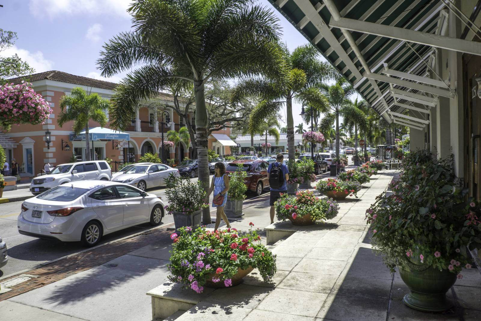 Stroll along Naples, Florida's Third Street South with its independent bookstores, art galleries, jewellers, and fashion boutiques and enjoy coffee or lunch at one of the attractive cafés and restaurants. Photo by Jennifer Brinkman. #NaplesFlorida #thirdstreetsouth #shopping #artgalleries #vacation