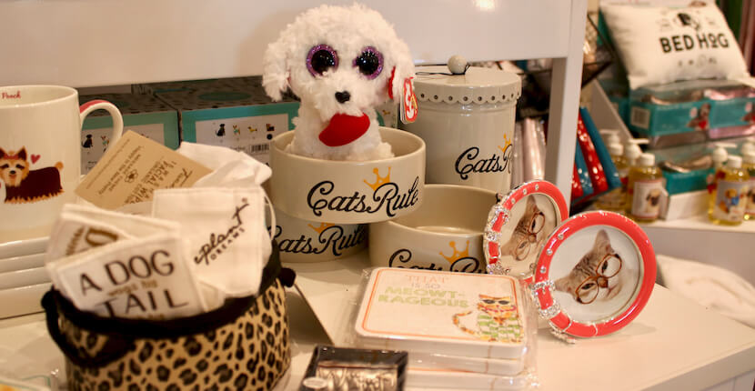 Dog and Cat Pet Sitter gifts Shelly's Gifts & Christmas Boutique Sarasota, Florida. Must Do Visitor Guides, MustDo.com.