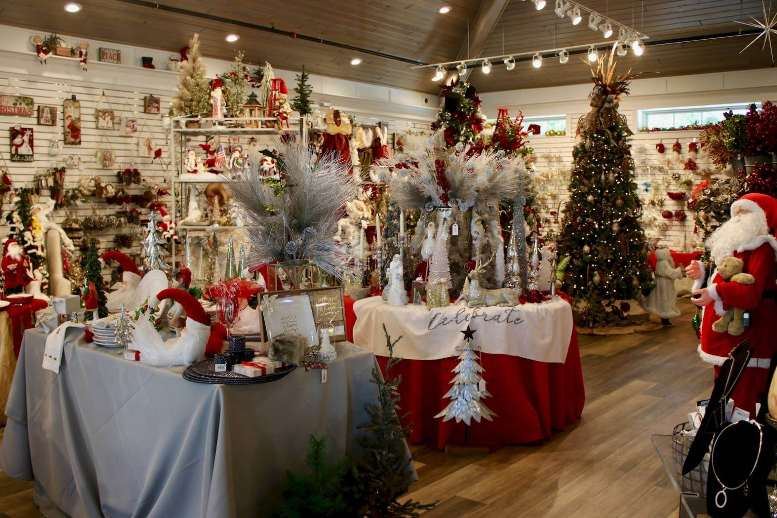 home decor stores sarasota shelly s gifts amp christmas boutique must do visitor guides 11228
