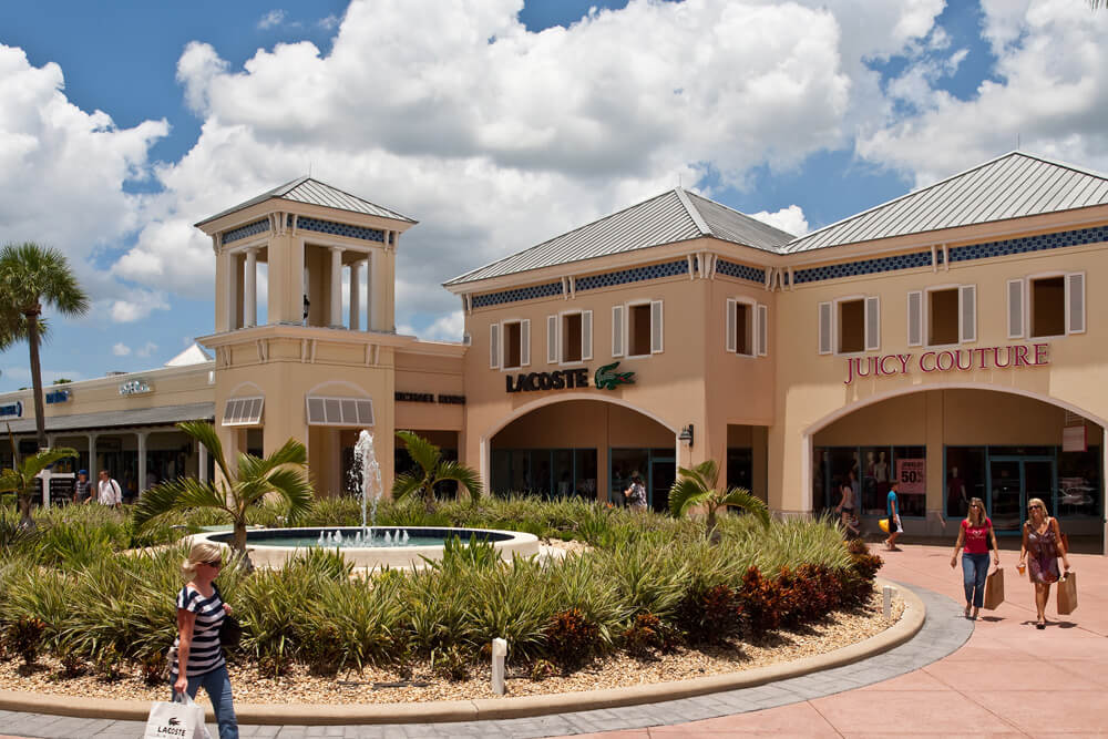 You can't beat the prices and quality at Ellenton Premium Outlets near Sarasota, Florida. Wander through the shops and find your favorite designer brands at discount prices! Must Do Visitor Guides, MustDo.com