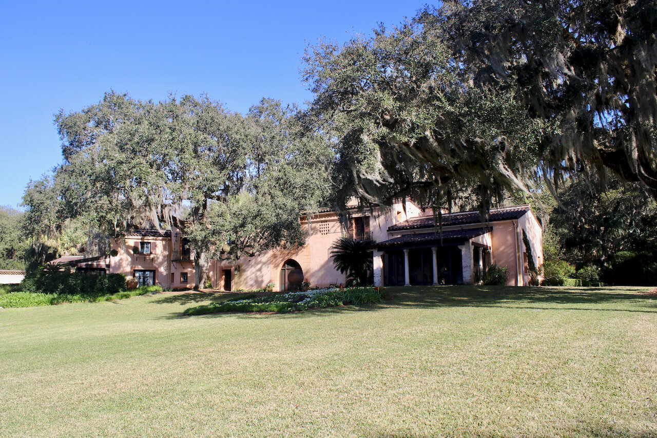 Explore 50 acres of meandering pathways and gardens, listen to the beautiful bells of the Singing Tower carillon, and stroll through a Mediterranean-style mansion at Bok Tower Gardens Lake Wales, Florida. Must Do Visitor Guides | MustDo.com.
