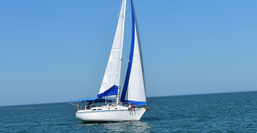 Set sail onto the beautiful Gulf of Mexico waters on a relaxing, entertaining, and unique 2-hour sightseeing or sunset sailing cruise aboard the Hunter 30' Inspiration Sail Venice in Venice, Florida. Must Do Visitor Guides | MustDo.com