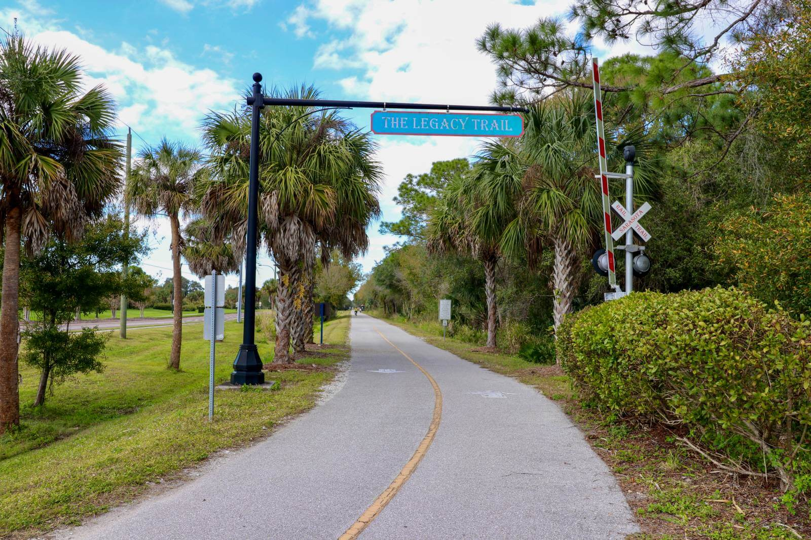 The Legacy Trail paved multi-use recreational trail for biking, hiking in Sarasota and Venice, Florida. Must Do Visitor Guides | MustDo.com