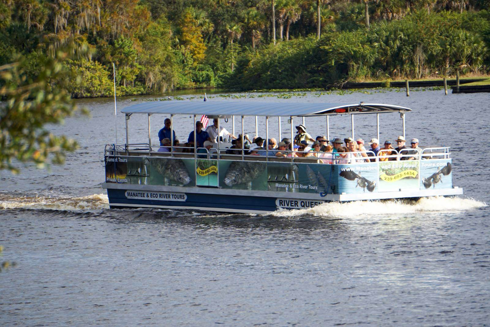 Boat Tour on Caloosahatchee River in Fort Myers, Florida.