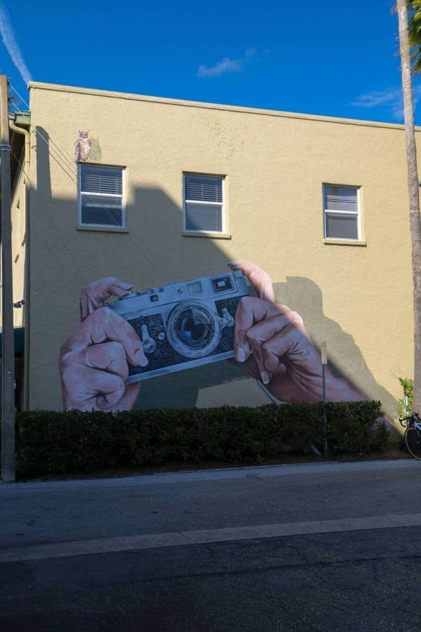 Mateo aka MTO street art in Historic Burns Court Sarasota, Florida. Street art and murals. Photo credit Laurén Ettinger. Must Do Visitor Guides | MustDo.com