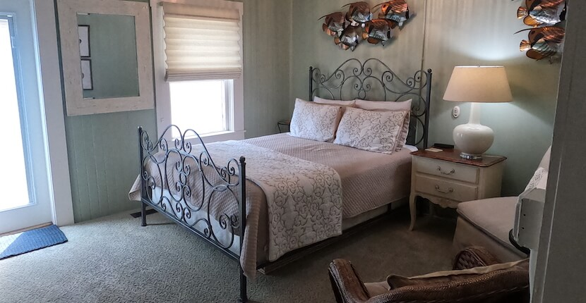 Guest room at The historic Hibiscus House Bed and Breakfast in downtown Fort Myers, Florida offers smoke-free, well-appointed guest-rooms, each with a private bath, private entrance, and free Wi-Fi access. Must Do Visitor Guides | MustDo.com