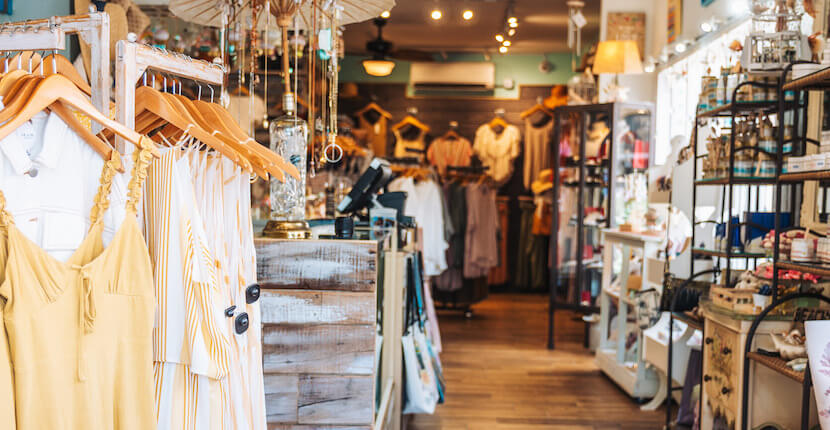 Island Trader is Siesta Key's premier beach boutique for women's trendsetting fashion and affordably priced designer apparel and accessories including hats, beach bags, jewelry, and purses.