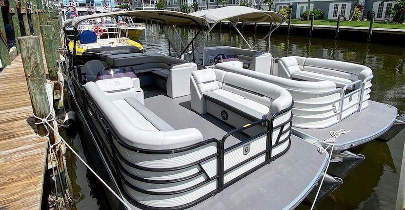 Siesta Key Watersports boat rental in Siesta Key, Florida. Must Do Visitor Guides | MustDo.com